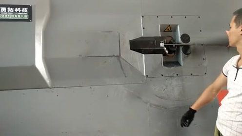 国产全自动弯箍机,一天加工十来吨的量,有机器干活就是轻松