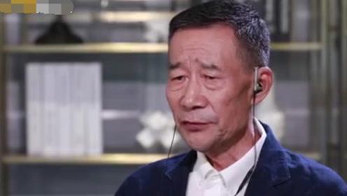 65岁李雪健听力受损带助听器现身