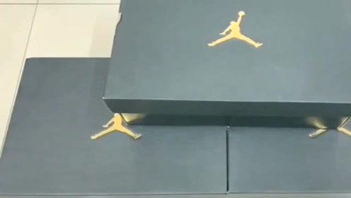 球鞋开箱:一口气买了3双AJ1,表弟说一看就知道是莆田鞋?