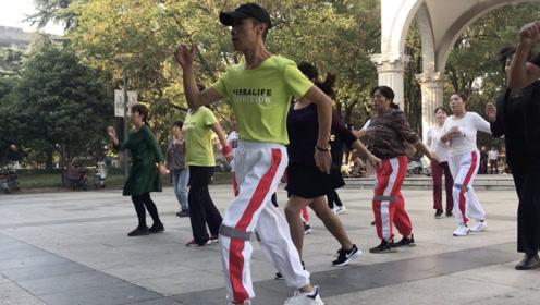 懒人爆汗减肥舞,每天跳15分钟,坚持30天轻松瘦身