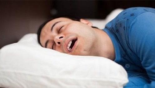 为什么人睡觉会说梦话?不是因为累和紧张!科学家告诉你真相