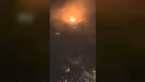 福建武平一餐厅厨房燃爆致2人死亡 现场瞬间燃起巨大火球