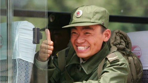 王宝强回乡排场很大,乡民列队欢迎,说家乡话接地气