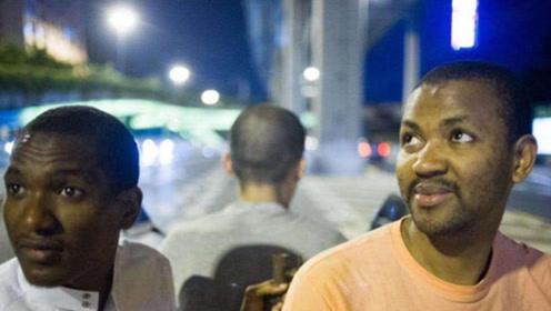 非洲土豪来中国体验公路,一上车就迷茫了:你们管这叫高速?