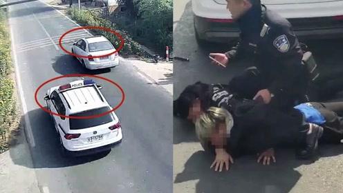 实拍:三男子盗窃后疯狂逃窜 民警极限追捕超车成功抓捕嫌犯