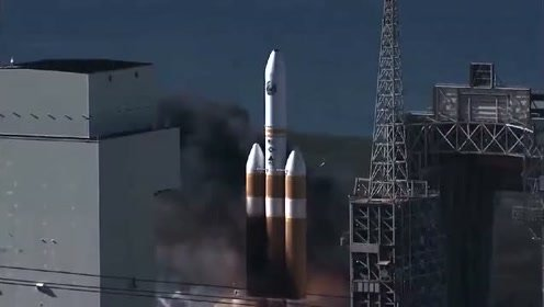 实拍重型运载火箭发射