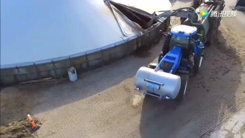 实拍喷农家肥的农机在农场作业,方圆500米任何人都不敢靠近