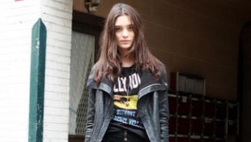 暗黑系穿搭适合酷女孩的早秋日常穿搭,不仅显高又能显瘦