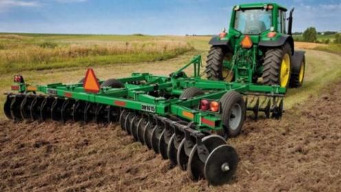看看美国全自动耕地机!一小时耕地130亩!国内多久能追上这技术