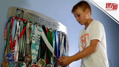 男孩从6岁起开始跑半马 5年间跑遍美国50个州创纪录