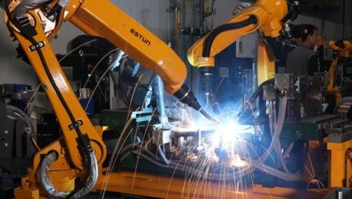 流水线的生产方式利用至焊接工作,这效率出乎意料!