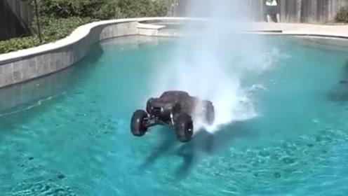 玩具汽车能在水上行驶吗?老外进行实验,网友:咋跟我想的不一样