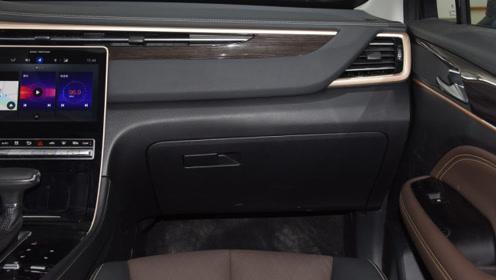 家用SUV选它真不错,车长4695mm,1.5T动力,仅售10.18万
