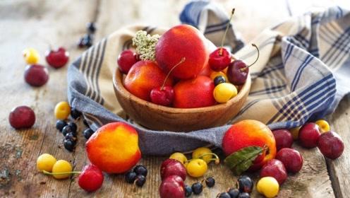营养师:这9种水果不能空腹吃,危害比你想的大