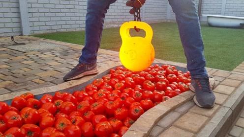 将壶铃加热到1000度,直接放到西红柿上,画面看着真刺激