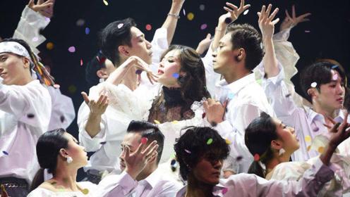 梦幻绝美!金泫雅回归现场舞《Flower Shower》,仙美的舞蹈中散发出独特的青春魅力