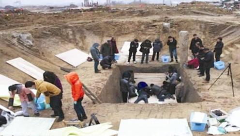 考古学家发现一座宋朝古墓,70岁大爷赶来阻止:这是我家祖坟