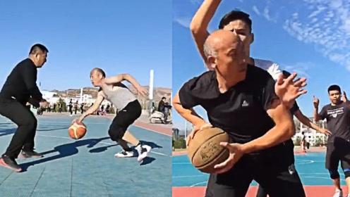 宝刀未老!大爷打篮球30多年,球场之上如入无人之境