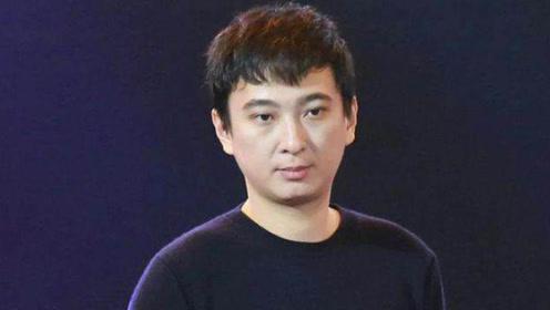 """限制高消费后王思聪只敢点58元""""廉价菜"""",独自出门显落寞"""