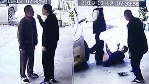 2名男子收快递起争执!对骂互殴不够还驾车撞人