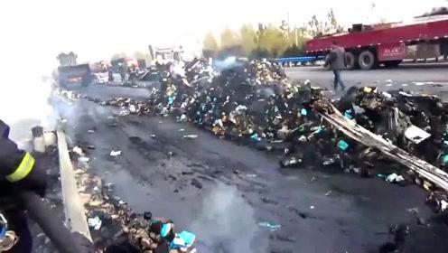 你的双十一快递可能被烧了 河南安阳一装有13吨快递的货车起火