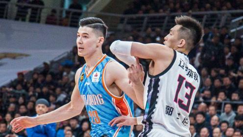 新疆男篮双子星闪耀!带队4胜0负排名第1,广东男篮要小心