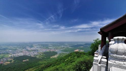 中国最无赖景区双向收费 山下买的门票到山顶却不被承认