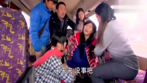 爱情不打烊:女子在车上分娩,双胞胎只存活了一个,真是可怜!