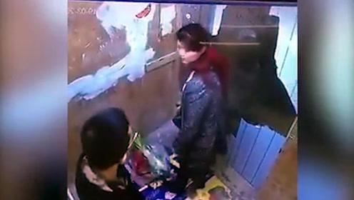变态!女子电梯内被年轻小伙袭臀,监控视频还原全过程!