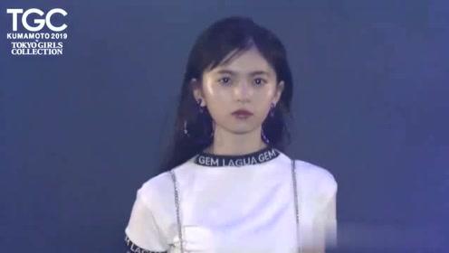 东京女孩时装秀,美丽的脸庞,深受观众喜爱