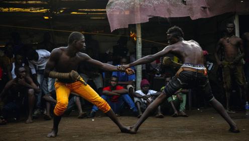"""非洲举办古老的凶狠搏击赛,""""摆最帅的姿势,打最狠的拳""""!"""