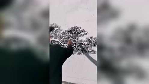 刚开始还以为是随便往墙上画的,接下来,这是个高手!