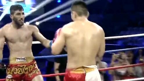 仿佛不是搏击比赛现场,外国拳手把对手直往台下扔,一龙看不下去了