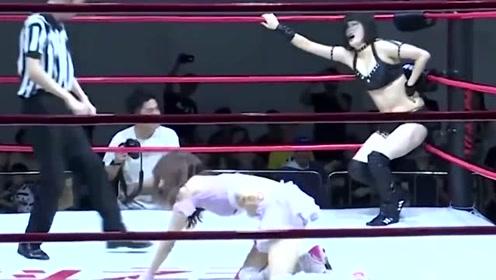 清新美女暴揍性感女神,女神被读秒KO,不服判罚狂打裁判后离场