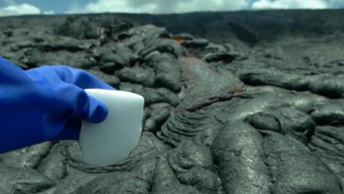 """干冰高于零下78度会""""爆炸""""吗?老外将其丢进火山中,这下玩大了!"""