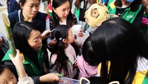最萌科普!武汉市民排队去闻大熊猫便便,还说:真香!