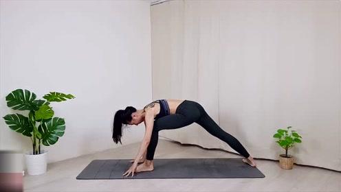 能量瑜伽核心锻炼,帮你强化核心肌群,练出马甲线
