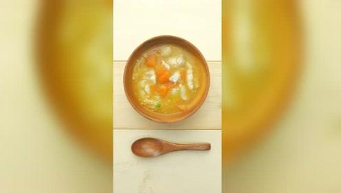 孕产营养:西红柿金针菇龙利鱼汤