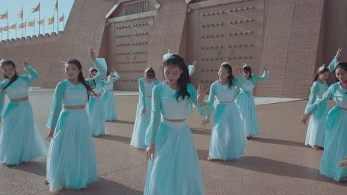 舞蹈女孩的气质必修课:左手指月