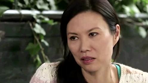 51岁邓文迪为18岁女儿庆生,罕见晒早期孕肚照,女儿颜值让人惊讶