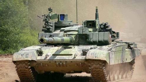 子弹根本打不穿坦克,为何士兵还要对坦克持续射击?原因出人意料