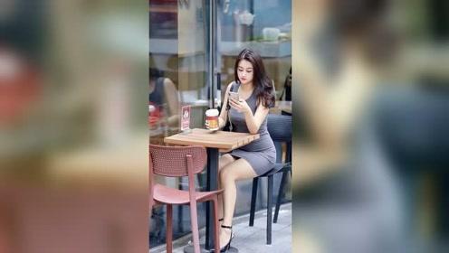 街边遇到这种漂亮又性感的姑娘,男生看到应该都会喜欢上吧?