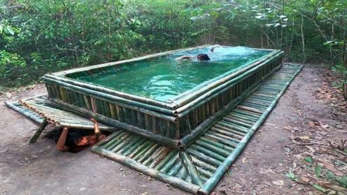 哥俩建造出一座豪华双层游泳池,上面用来游泳,下面用来居住