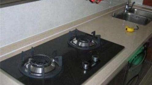 不管家里什么条件,这3样东西不能放在燃气灶旁边,不然后患无穷