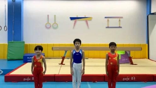 """杨云晒十岁儿子,杨阳洋越来越像爸爸杨威,网友:不愧是""""体操二代"""""""