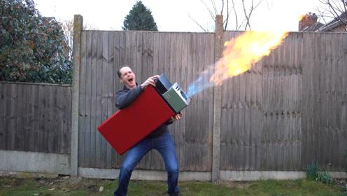 世界上最大的打火机,火焰比人还要高,点燃一堆木柴仅需2秒!