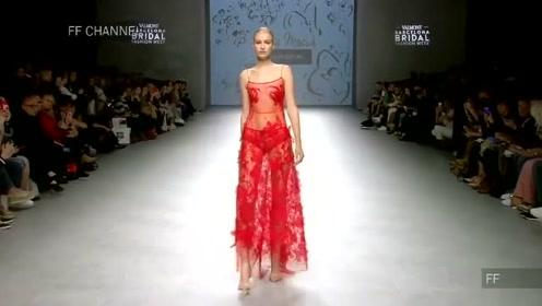 耀眼的红色婚纱,贴花修身设计,在婚礼上大放光彩