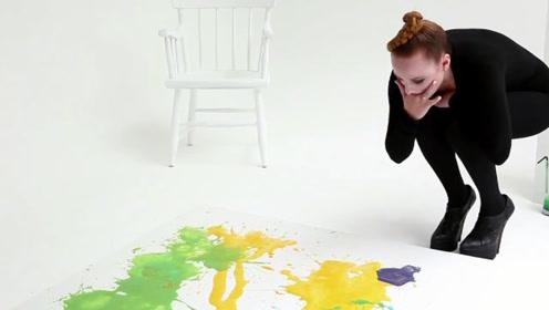英国一女艺术家用呕吐法作画 一副曾卖出15万天价