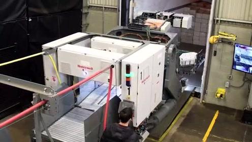 卸货神器!1500箱/小时的全自动高速卸货机器人来了