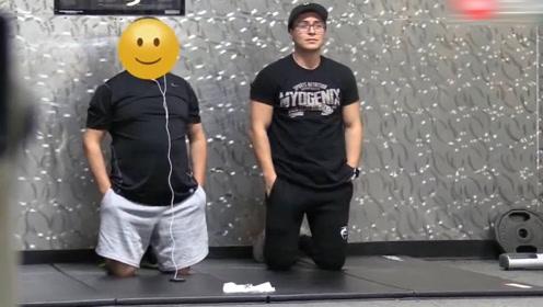 老外伪装成小白,在健身房模仿其他人健身,差点引发血案